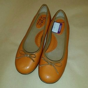 Nearly new! Born Concept orange flats size 8